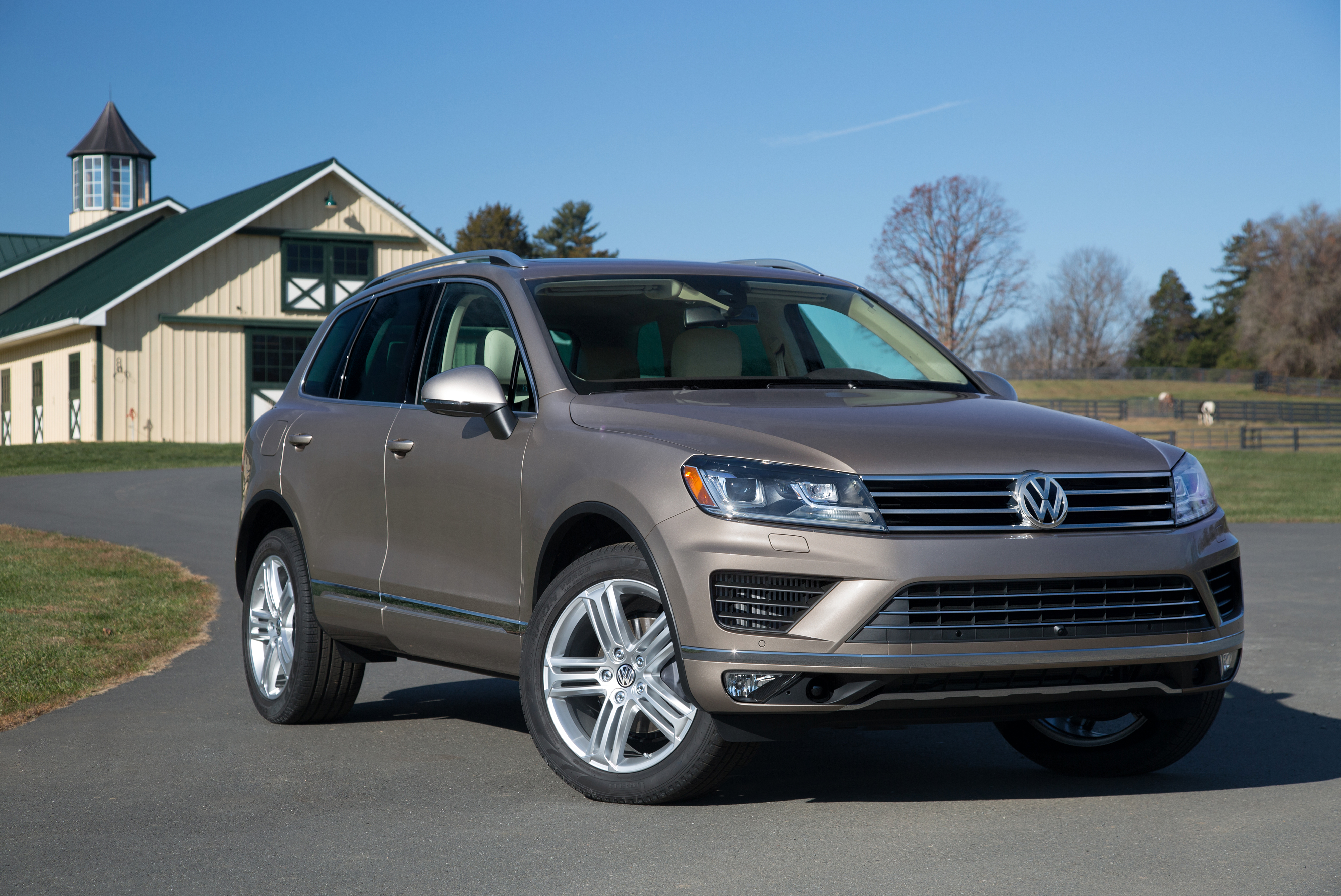 site makes en auto images show world us in at debut releases touareg volkswagen beijing china redesigned media