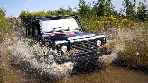 land-rover-defender-off-road