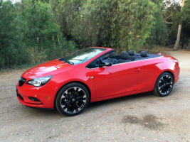 2017 Buick Cascada right side