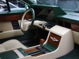 Aston_Martin_Lagonda interior