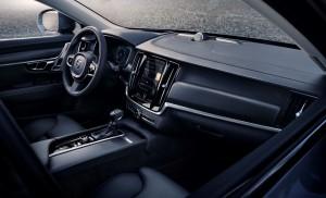 198292 New Volvo V90 Cross Country Interior